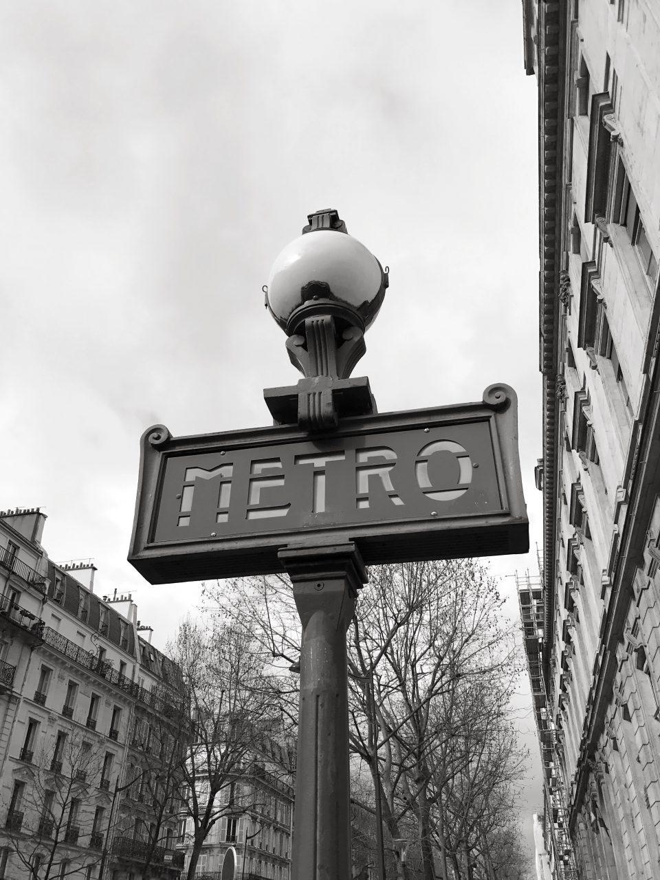 Paris Metro Eingang